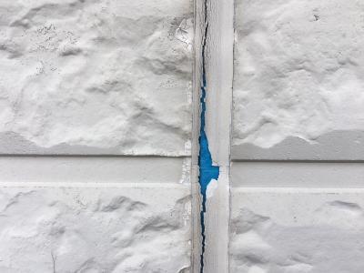 外壁クラック現象